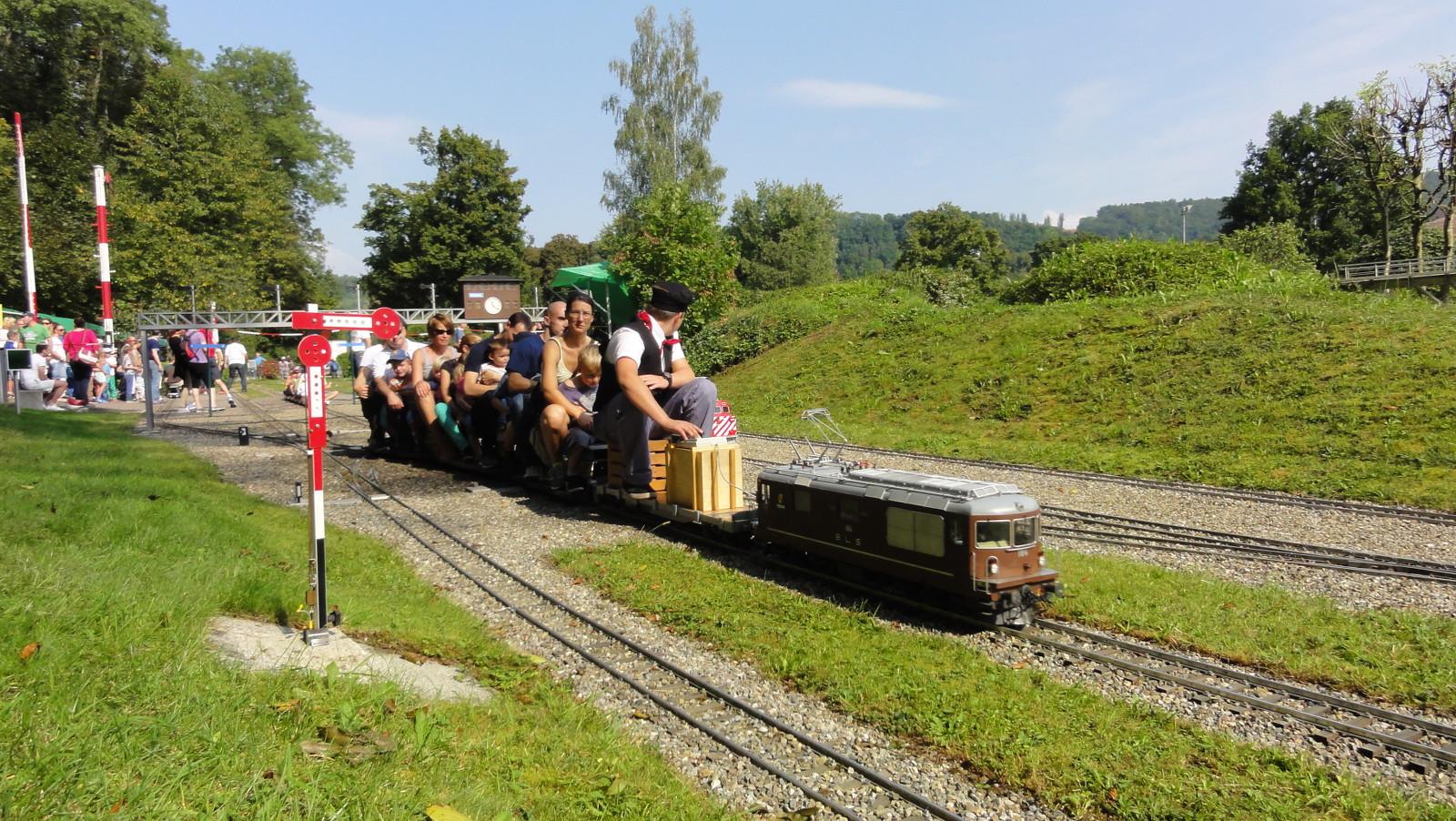 gemütliche Fahrt auf unseren Zügen