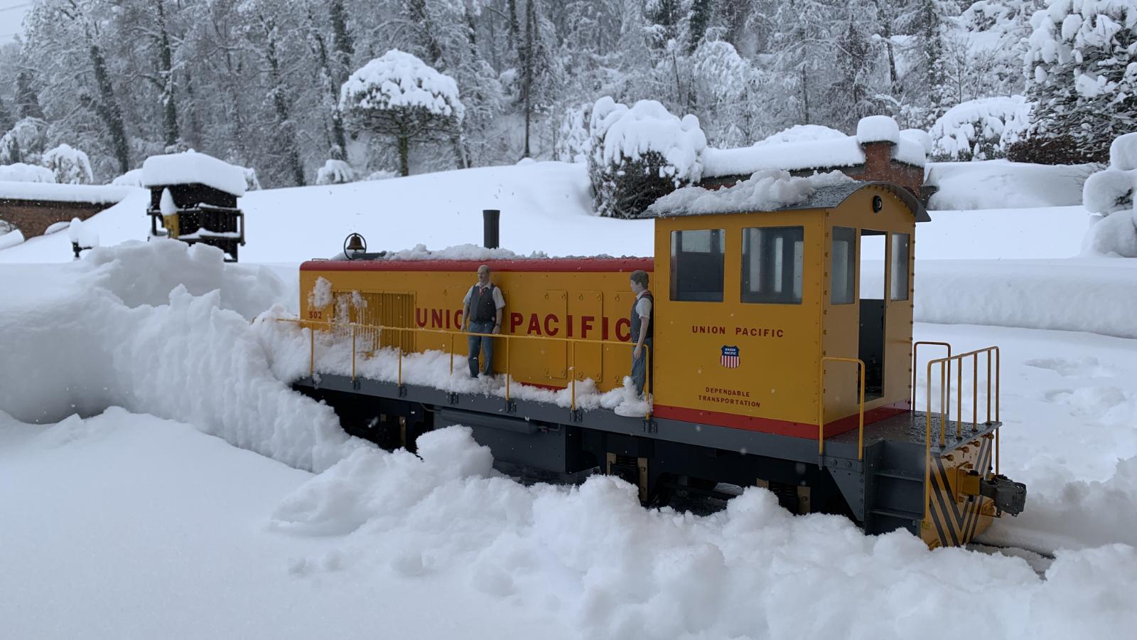 Schneeräumung im Bahnhof Grund